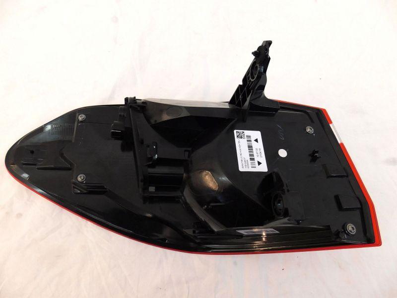 Rückleuchte rechts Rücklicht rechts high mit LED für FaceliftBMW 2 GRAN TOURER  F46 LCI  216D